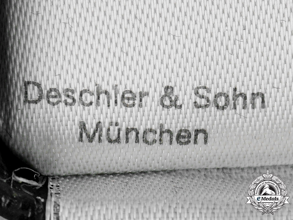 Germany, Wehrmacht. A War Merit Cross, I Class, with Case, by Deschler & Sohn
