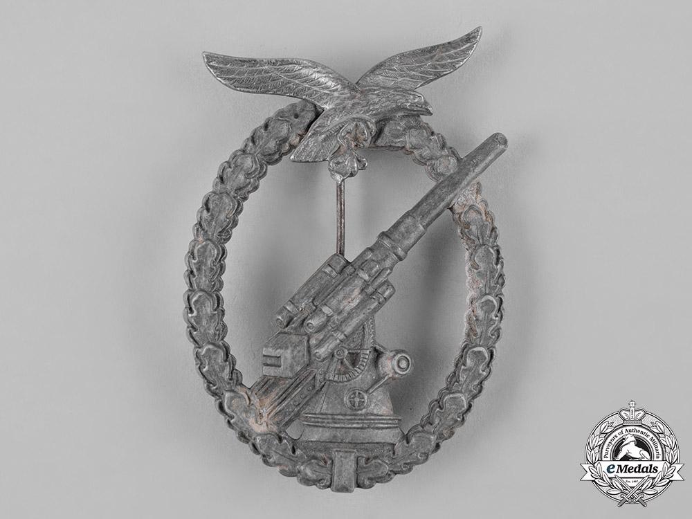Germany, Luftwaffe. A Luftwaffe Flak Badge