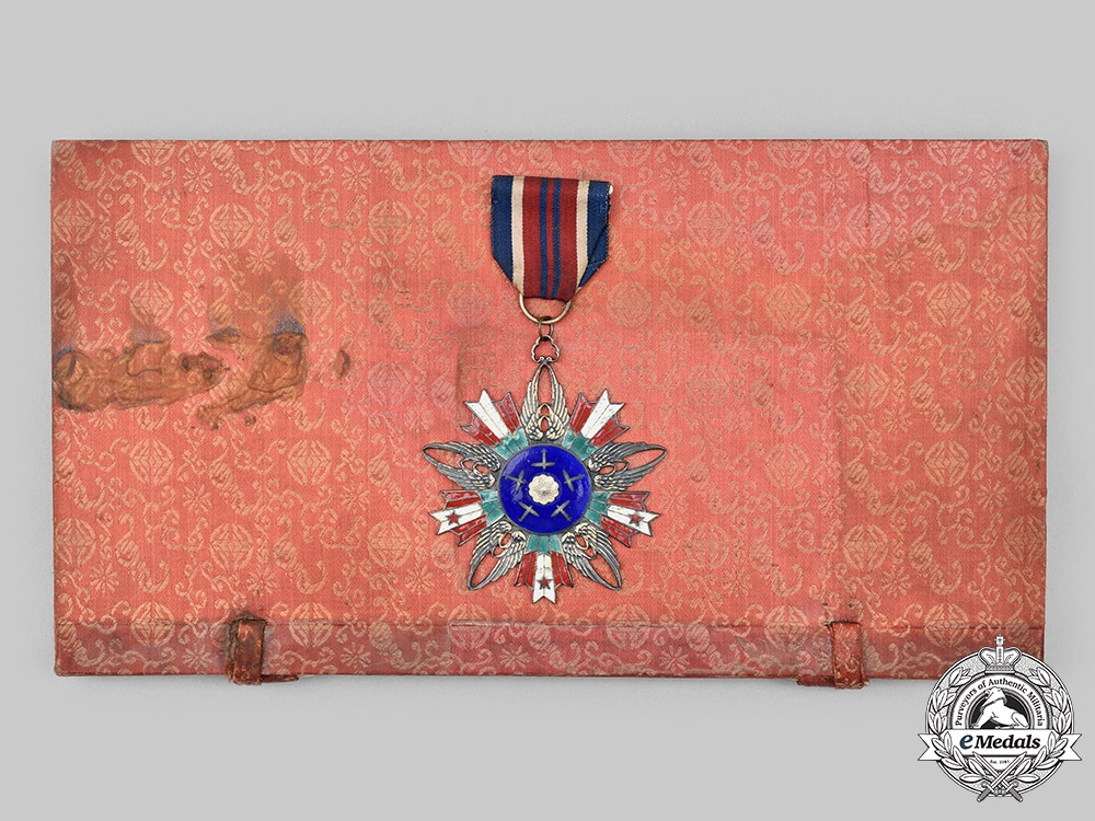 China, Republic. A Rare Air Force Order of Rejuvenation, II Class with Case, c. 1945