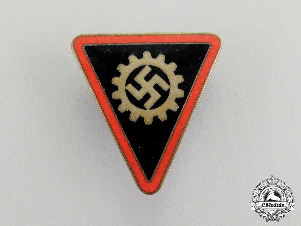 Germany. A DAF (German Labour Front) Women's Staff Badge