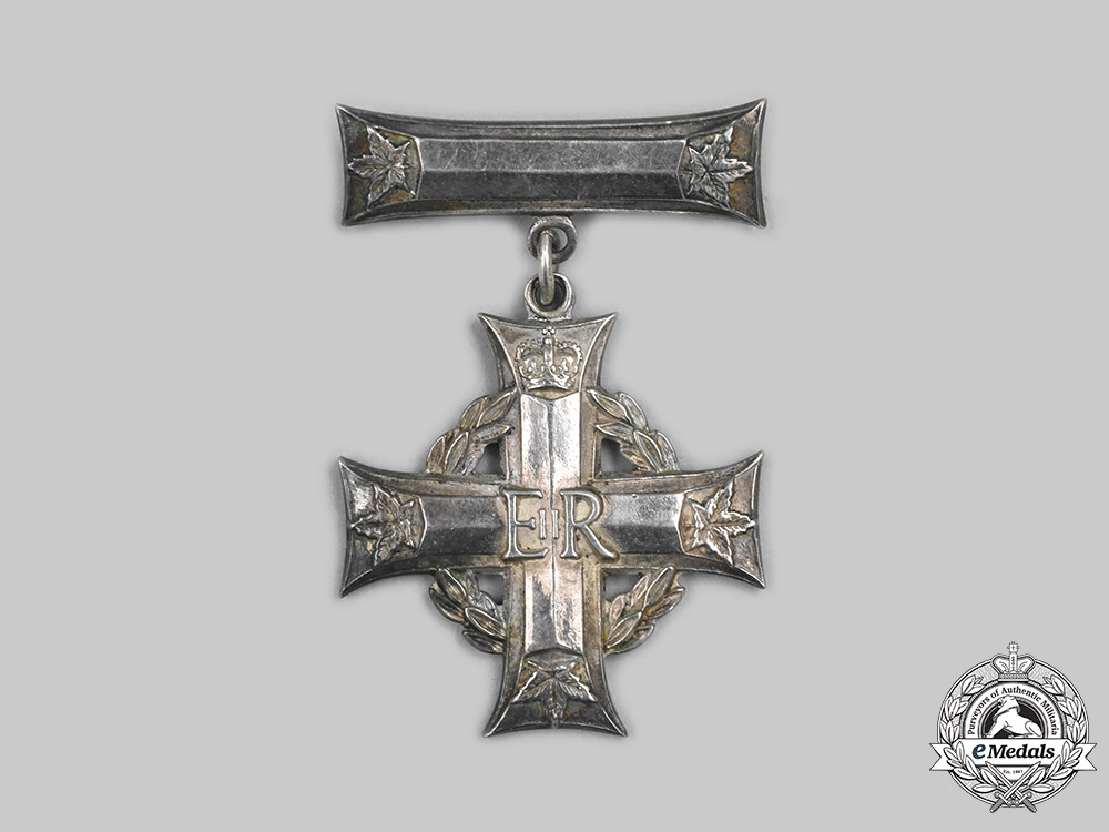 Canada. A ERII Memorial Cross, Unissued