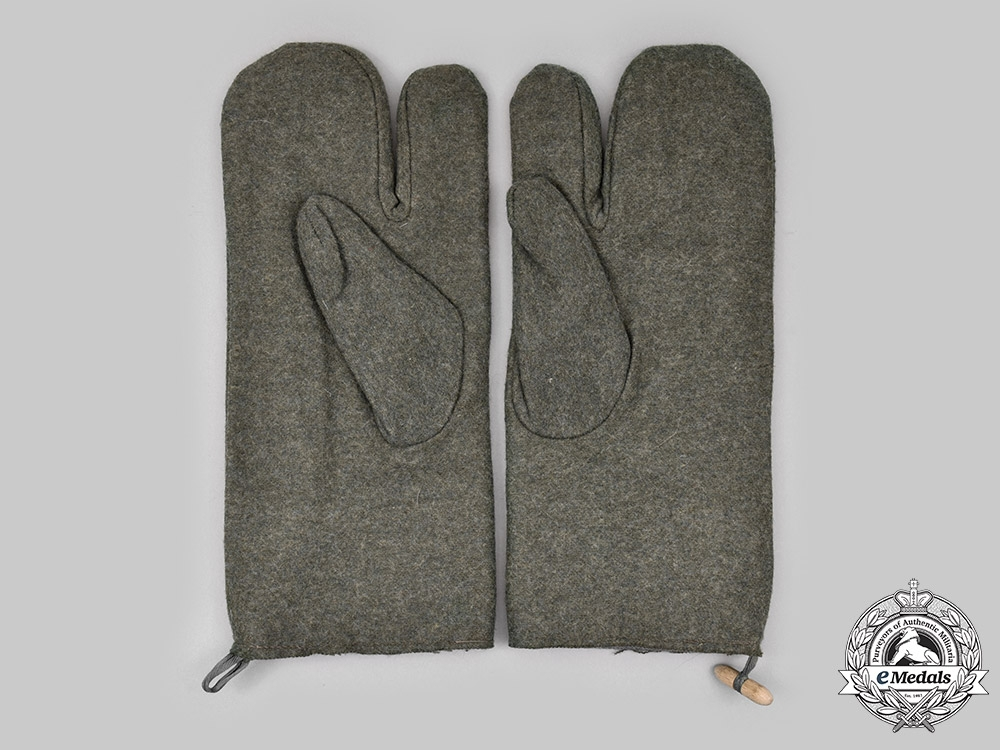 Germany, Wehrmacht. A Pair of Winter Mittens