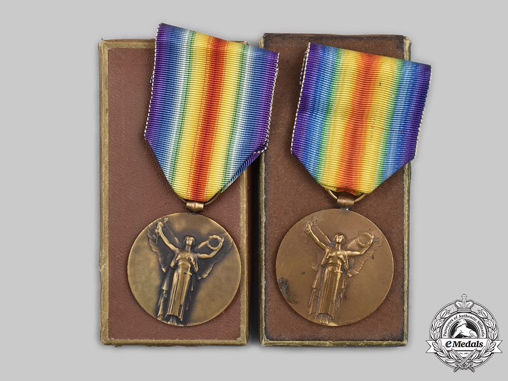 France, III Republic. Two Victory Medals, Type I, Official Version