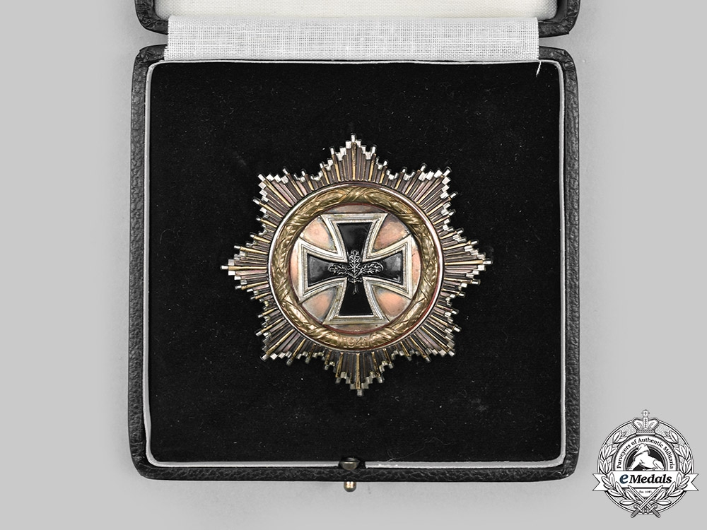 Germany, Federal Republic. A German Cross in Gold, with Case, 1957 Version