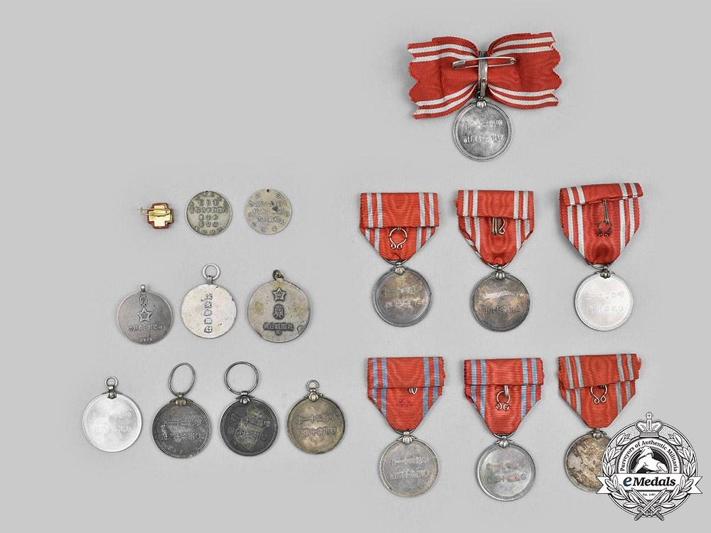 Japan, Empire. A Lot of Seventeen Second War Period Awards
