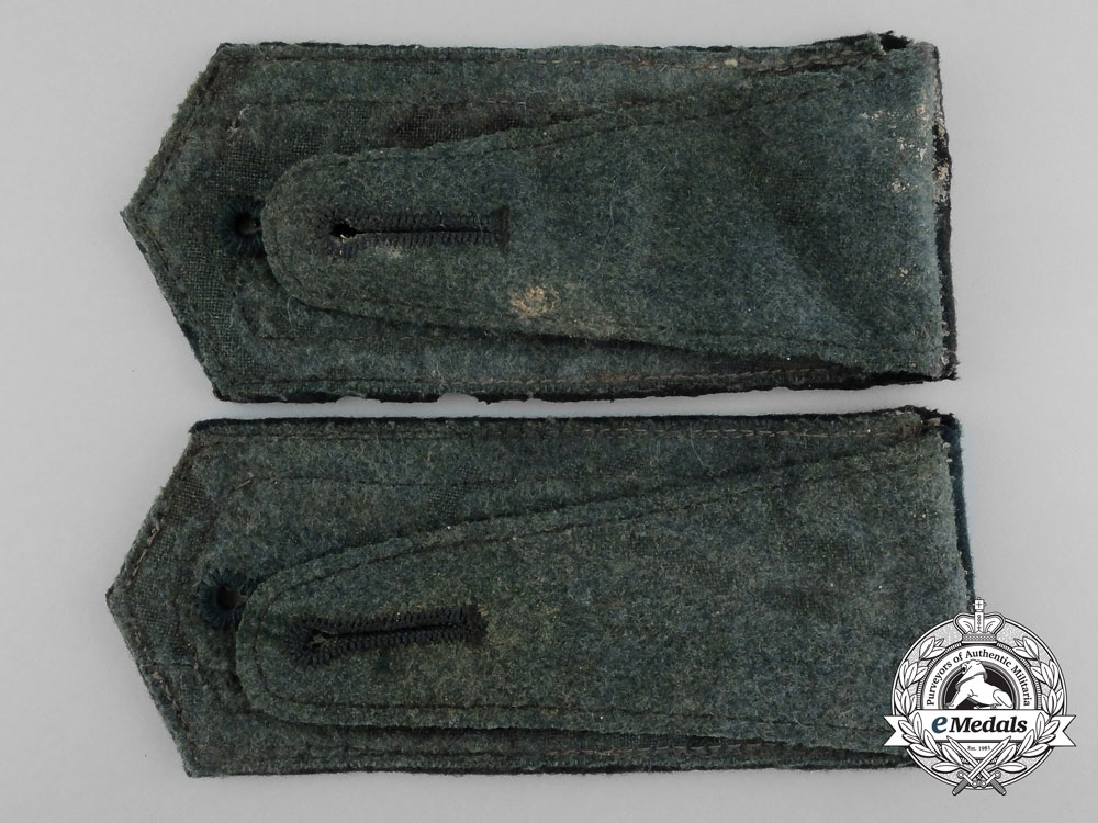 An Early Pair of German Army Infantry Shoulder Straps; Unteroffizier 124th Regiment