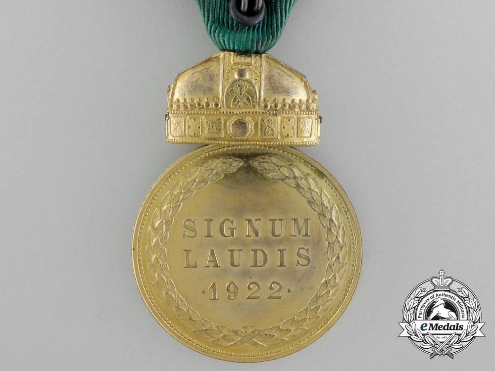 Hungary, Kingdom. A Rare Gold Grade Signum Laudis Medal, c.1925