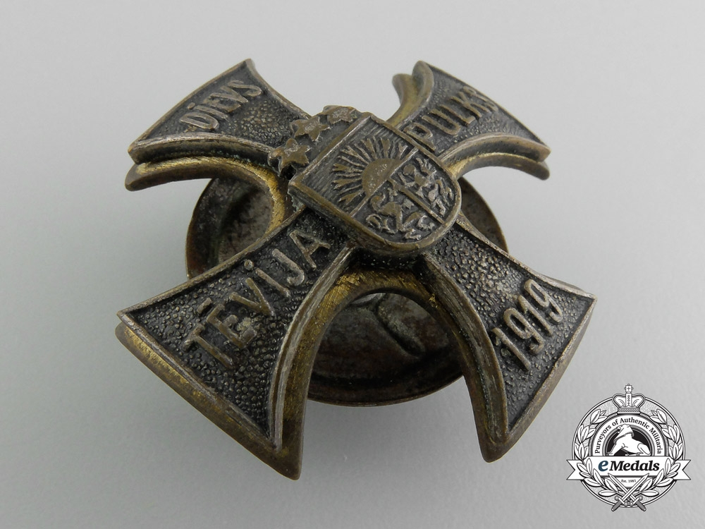 An Latvian Cavalryman's Badge; Numbered