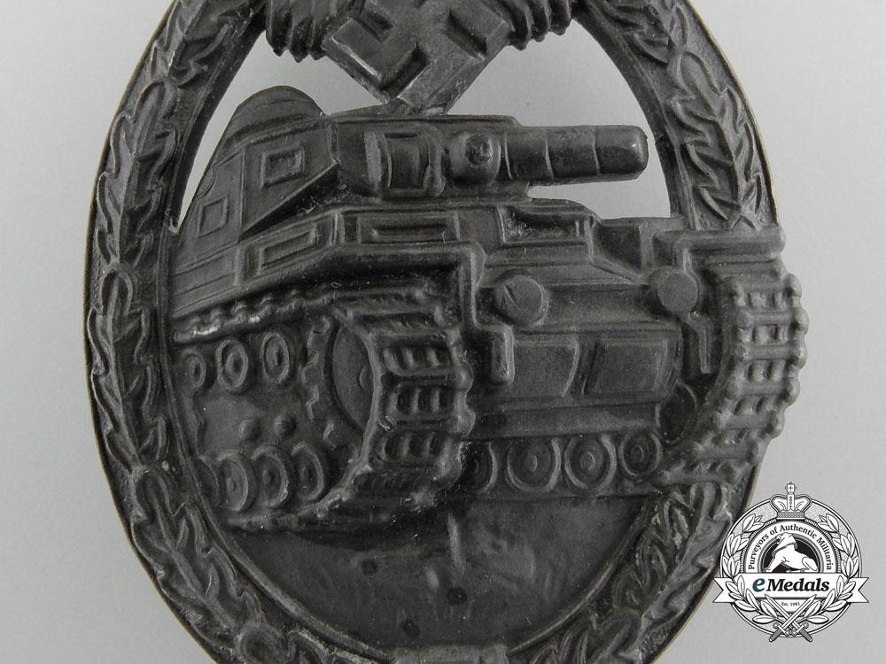 A Bronze Grade Tank Badge by Frank & Reif