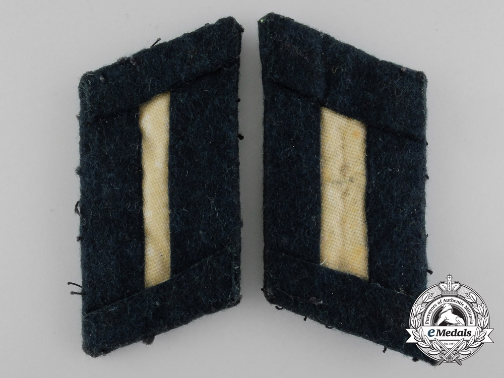 A Pair of Oberleutnant's Cavalry Shoulder Boards and Tabs