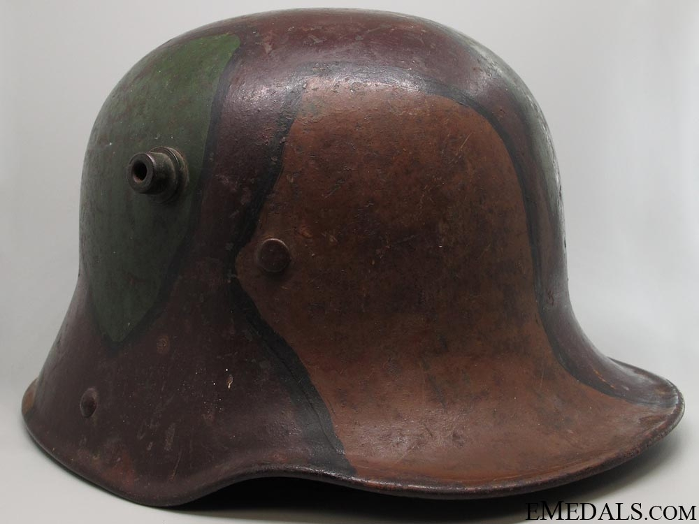 Camouflage Stahlhelm M16 with Shipping Label