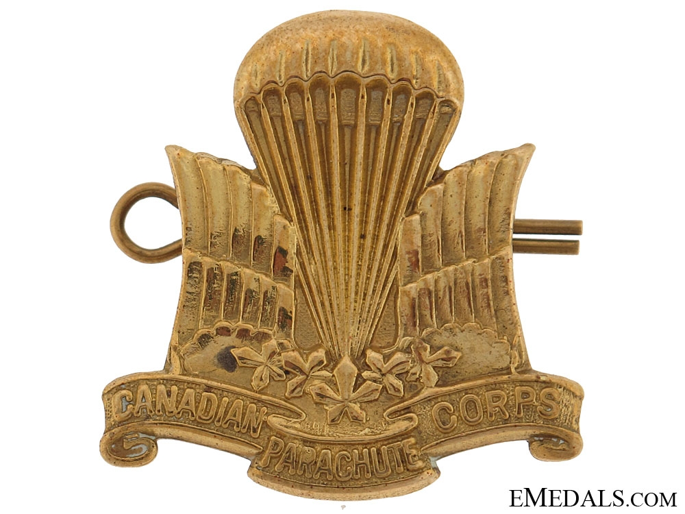 WWII Canadian Parachute Corps Cap Badge