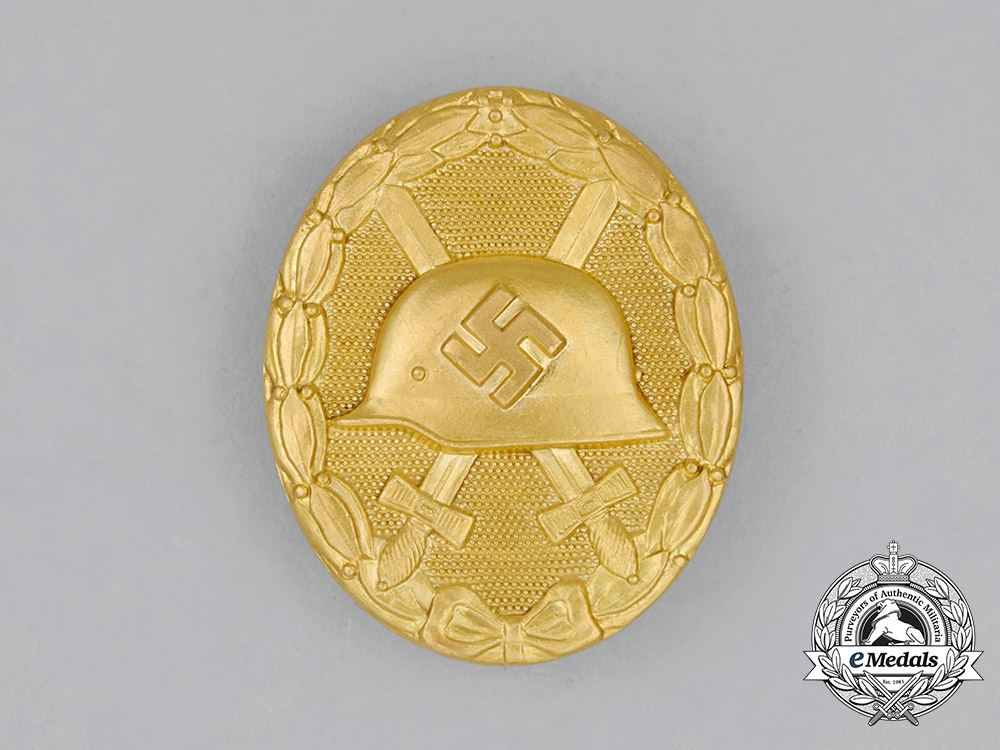 A Mint Second War German Gold Grade Wound Badge in its Original Case of Issue