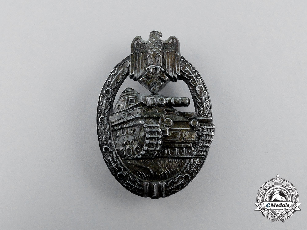 An Early Second War German Bronze Grade Tank Badge