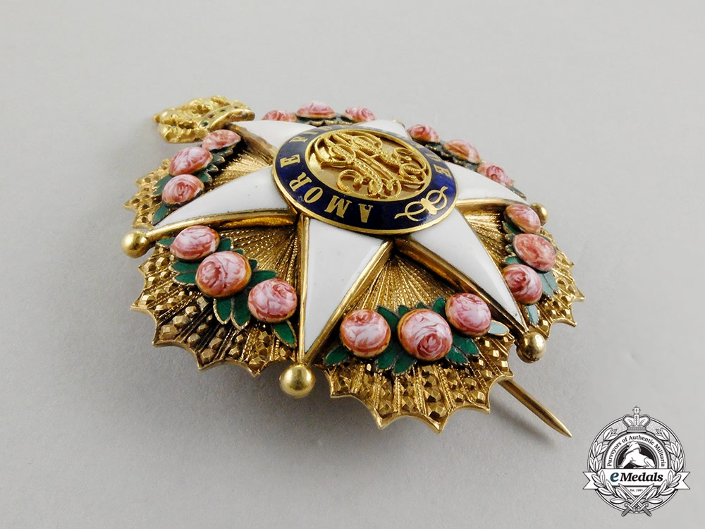 A brazilian order of the rose in gold grand dignitary 39 s for Commander rose