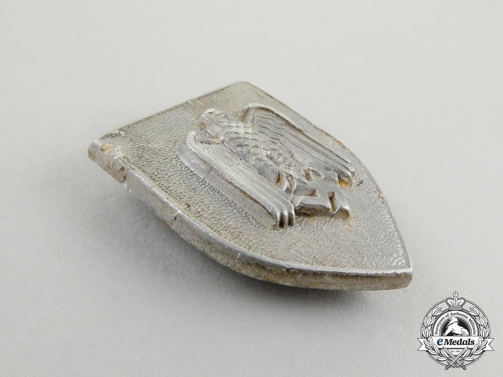 A Second War German First Type Wehrmacht Marksmanship Lanyard Shield