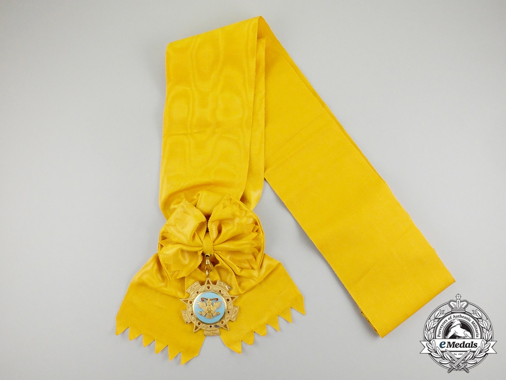 A Mexican Order of the Aztec Eagle; Grand Cross Set - Type I