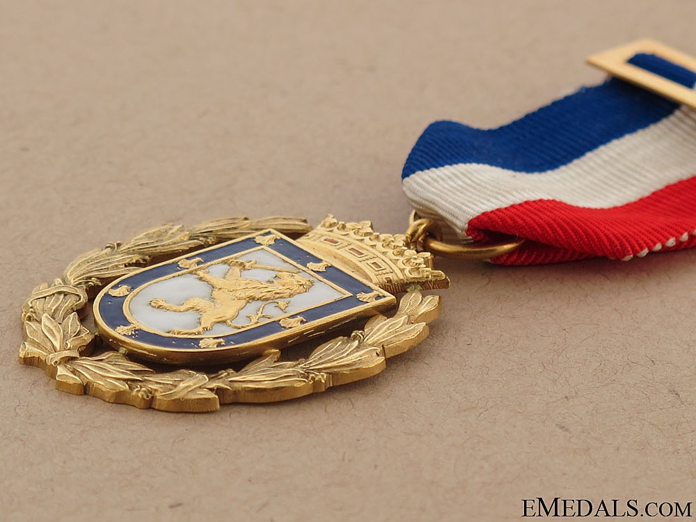 City of Santiago Medal to the Duchess of Kent, 1959