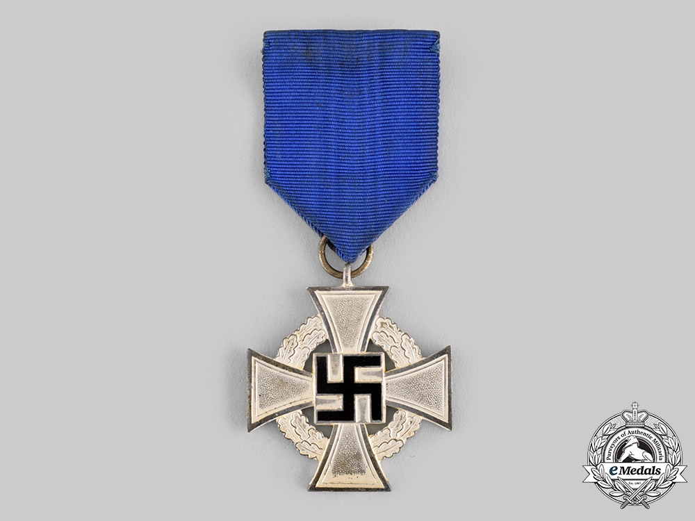 Germany, Third Reich. A 25-Year Civil Service Faithful Service Medal, with Case