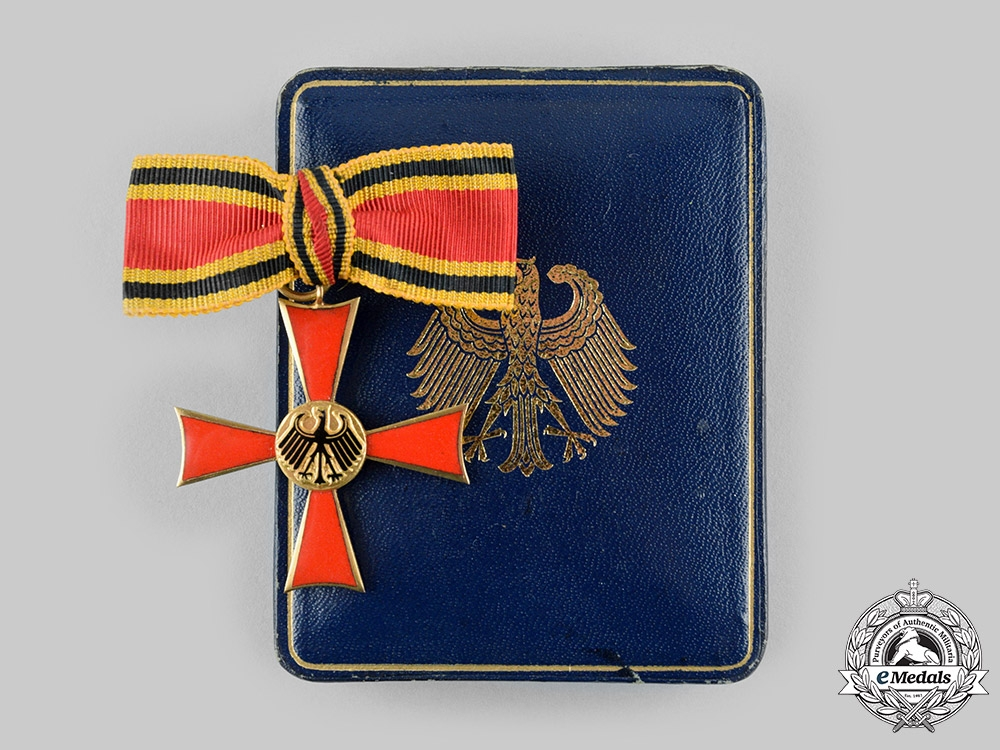 Germany, Federal Republic. A Ladies Merit Cross of the Order of Merit of the Federal Republic of Germany, with Case, by Steinhauer & Lück