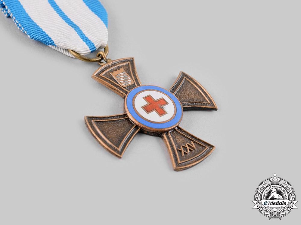 Germany, Federal Republic. A Bavarian State German Red Cross (DRK) 25-Year Membership Badge