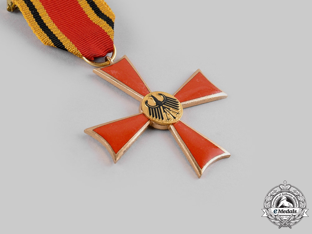 Germany, Federal Republic. A Commander Cross of the Order of Merit of the Federal Republic of Germany, with Case, by Steinhauer & Lück