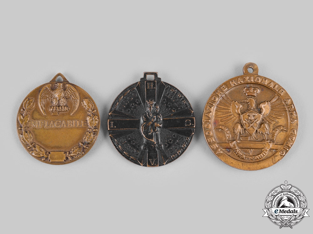 Italy, Fascist State. Three Medals & Awards