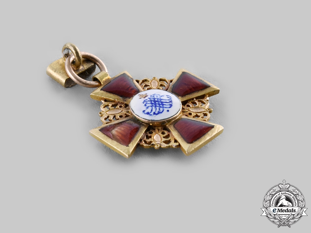 Russia, Imperial. An Order of St. Anne in Gold, Miniature, c.1900