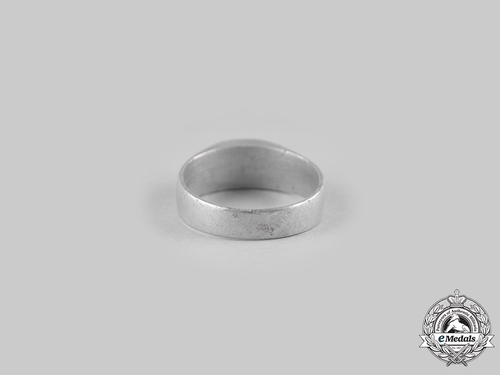 Germany, Imperial. A 1917 Field-Made German Army Ring
