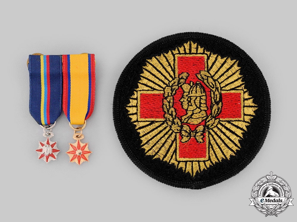 United States. An Order Societies Miniature Pair and Patch
