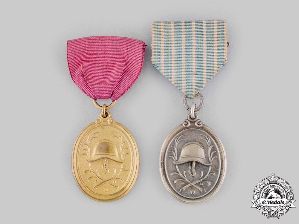 Germany, Weimar Republic. A Pair of Bavarian Fire Brigade Long Service Medals