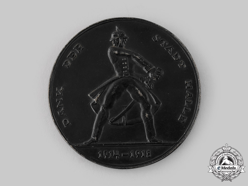 Germany, Weimar Republic. A City of Halle War Aid Table Medal