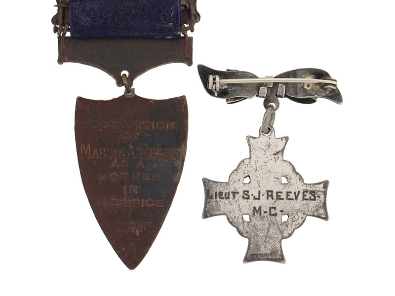 Memorial Cross & Mothers in Sacrifice Medal - Lt.Reeves M.C.