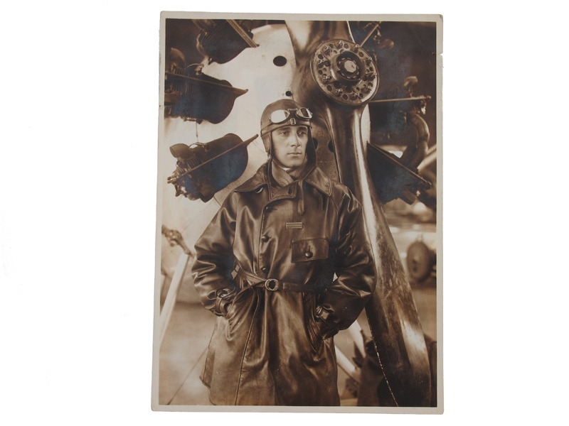 Artur Kirasić near the aircraft,