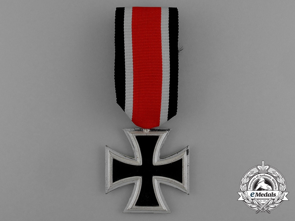 A Mint Iron Cross 1939 Second Class in its Original LDO Case of Issue