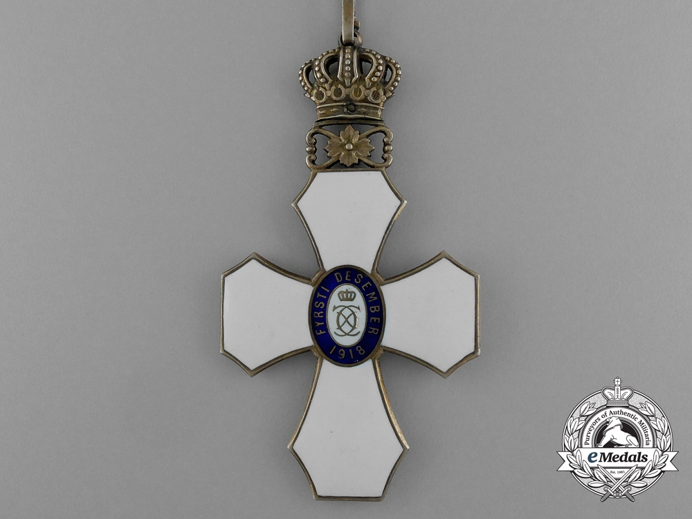 An Icelandic Order of the Falcon; Commander