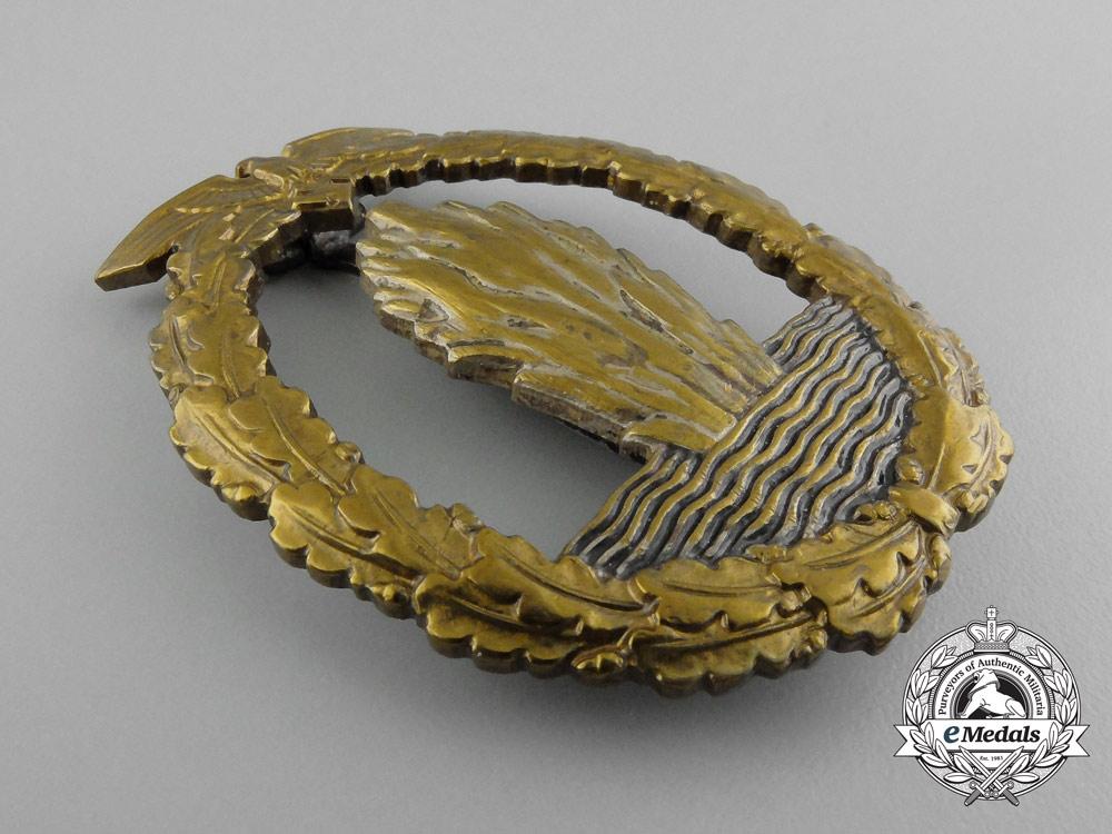 A Fine Quality Early War Kriegsmarine Minesweeper War Badge