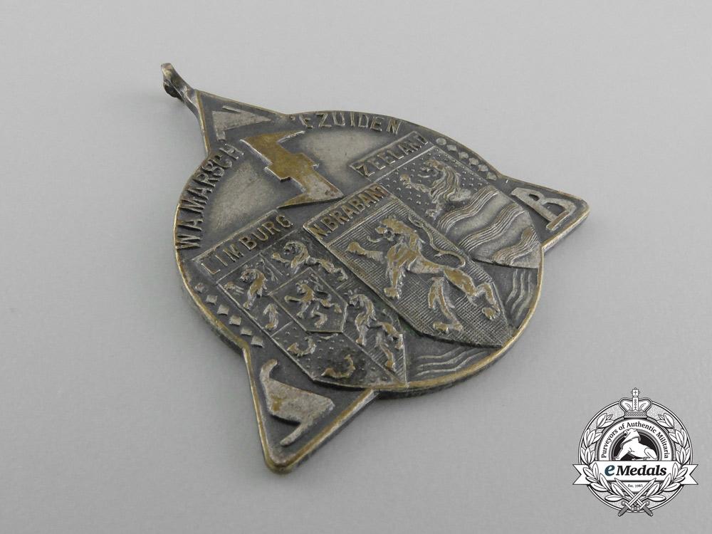 A 1942 Dutch National Socialist Movement Medal