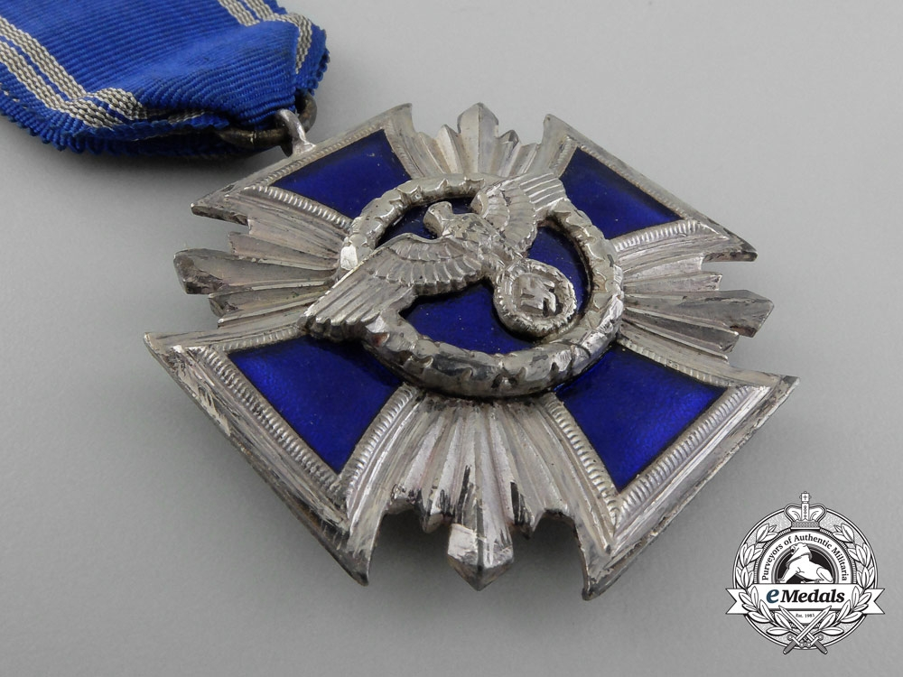 A Mint NSDAP Long Service Award; 15 Years of Service with Case by B.H Mayers