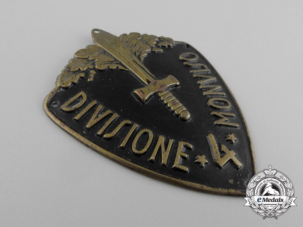 Italy, Kingdom. A 4th Infantry Division of Monviso Sleeve Badge