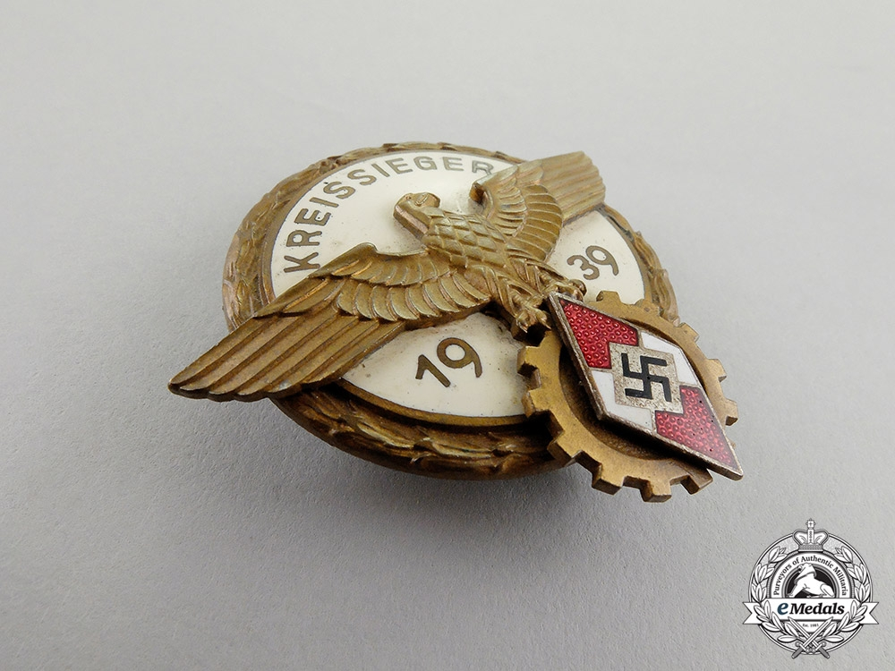 """A 1939 Victors Badge in the National Trade Competition - """"Kreissieger"""""""