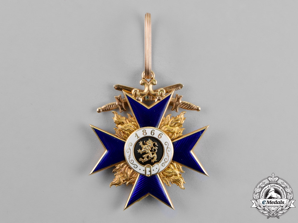Bavaria, Kingdom. An Order of Military Merit in Gold, Second Class with Swords, by Hemmerle, c.1915