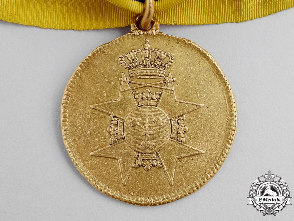 Sweden, United Kingdoms. A Scarce Gold Officer's Medal for Bravery, c.1810