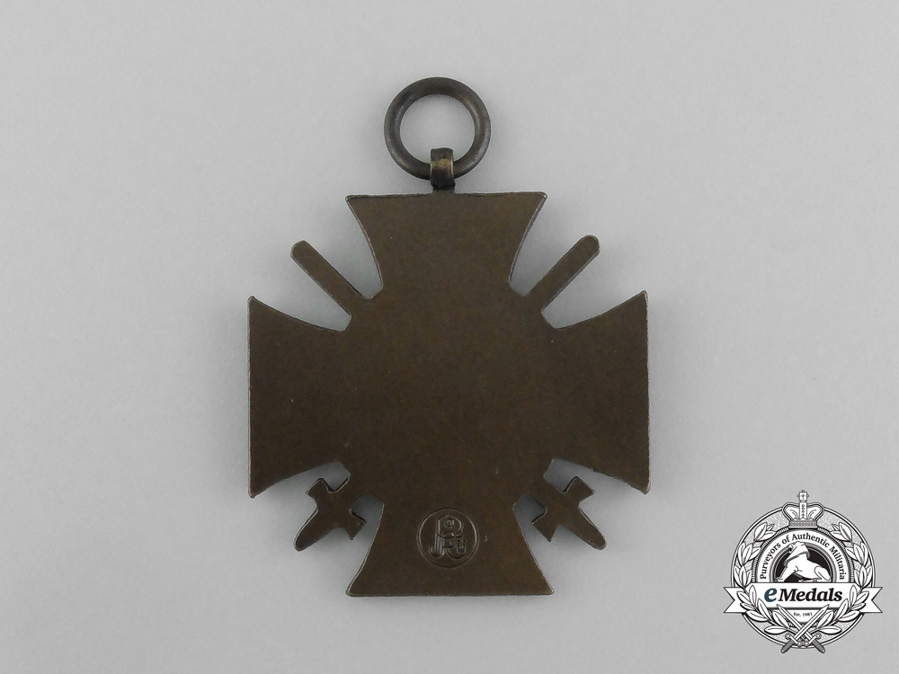 Germany, Imperial. An Honour Cross of the World War with Swords (1914-18), by Paul Küst of Berlin with Case