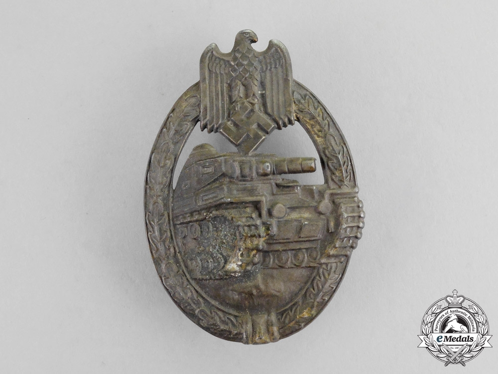 A Bronze Grade Tank Badge