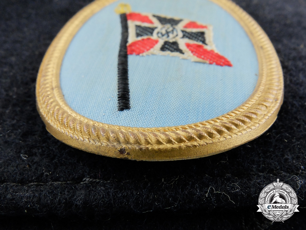 A Second War German Veterans Gorget with Armband in Box of Issue