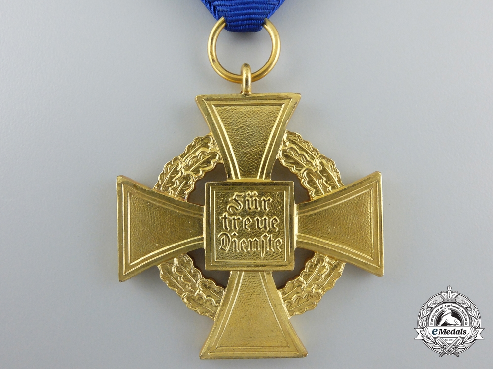 A German Faithful Service Decoration for Forty Years' Service; 1st Class with Case