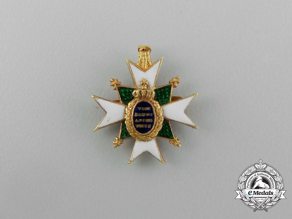 A Miniature Saxe-Weimar Order of the White Falcon in Gold