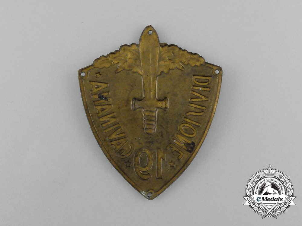 """An Italian 19th Infantry Division """"Gavinana"""" Sleeve Shield"""