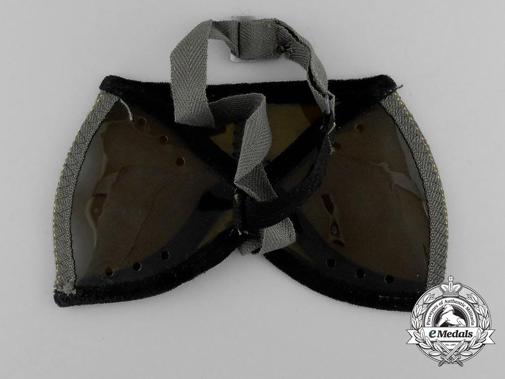 A Second War German Army (Heer) Sun Protection Glasses (Augenschützer 42)
